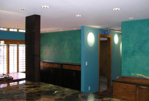 Ищете что-то стильное для отделки потолка или стен? Венецианская шпаклевка-очень интересный материал